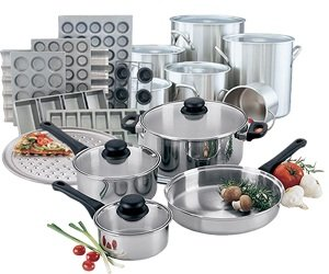 Kitchen Smallwares / Cookware